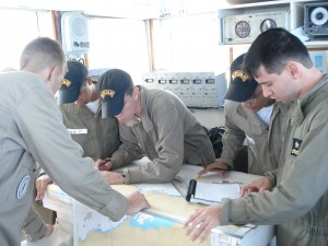 Alunos tiram serviço no passadiço durante o primeiro Aviso de Instrução