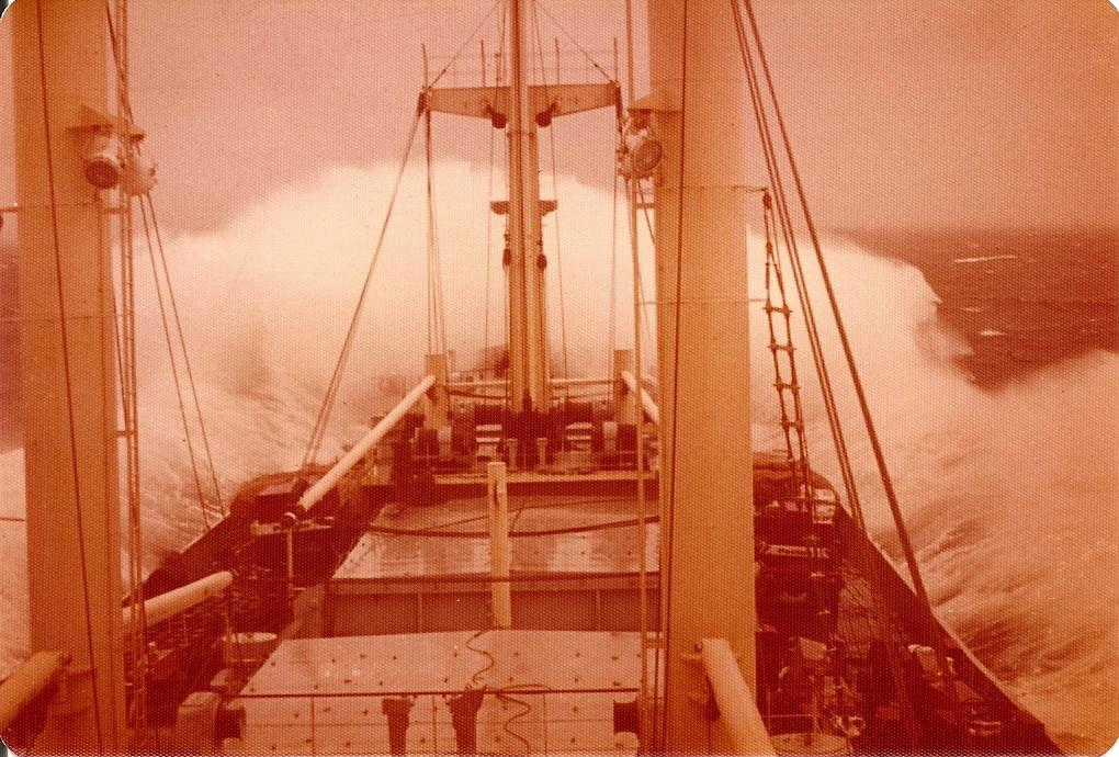 NM-LL-CHILE-Tempestade-no-Oceano-Pacifico-1974